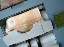 Bank, bank spółdzielczy, parabank  – podejmuj decyzje zgłową iodpowiedzialnie